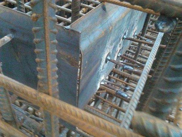 止水钢板的施工方法